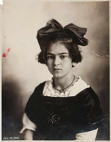 فریدا در یازده سالگی
