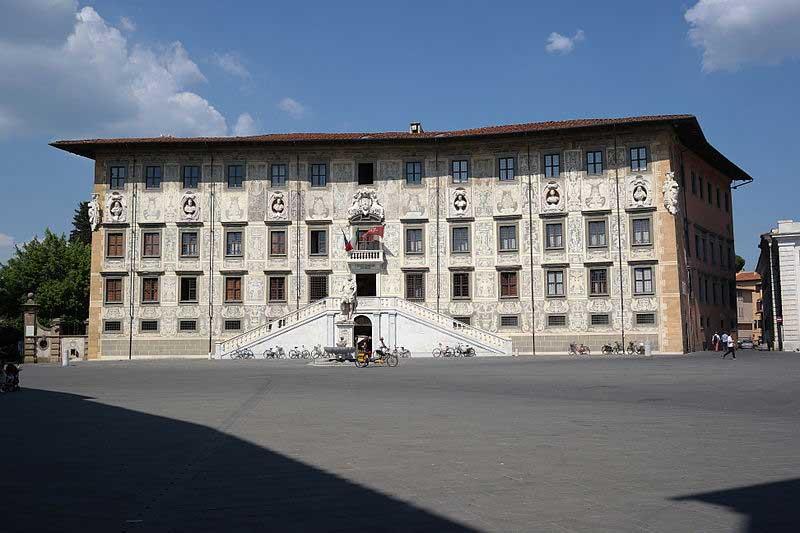 قصر کاروانا یکی از آثار وازاری در معماری