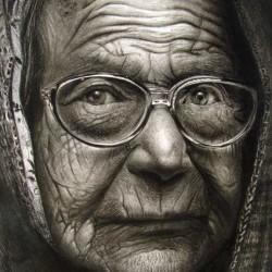 طراحی چهره زن پیر